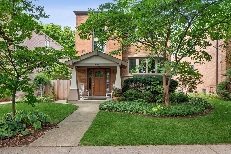 1709 Washington Street, Evanston, IL 60202