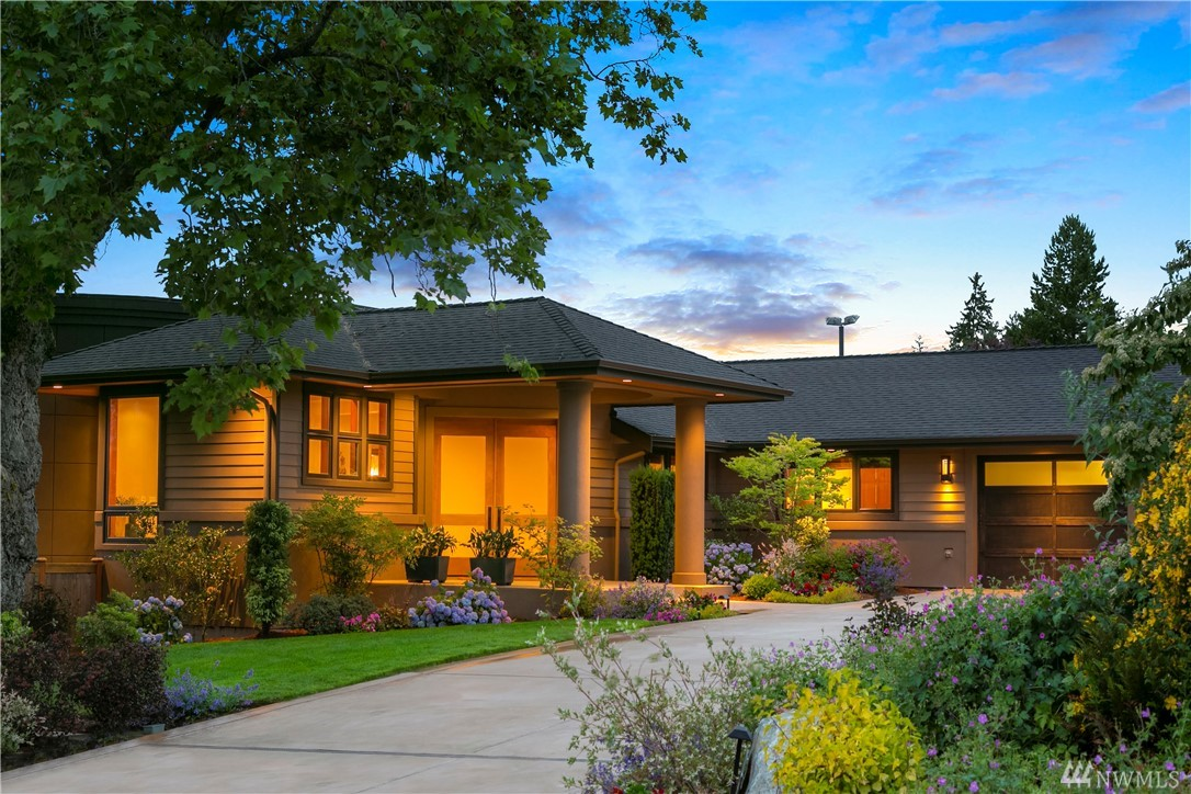 Lake, Mtn & City Views welcome you into the sunlit Kitchen & Gathering Rm. All on the Main Level, Luxurious Master Suite, Guest and Secondary Bedroom En Suites. Rec level w/ Media Rm, Wine Cellar & Entertainment Bar extends to spectacular grounds. Heated BBQ Center w/ covered dining area offers year round enjoyment, level lawn for outdoor fun & Game Court. Enjoy sunset Views from the elevated viewing tower or expansive Sun Terrace w/ Heated Swimming Pool & Hot Tub.