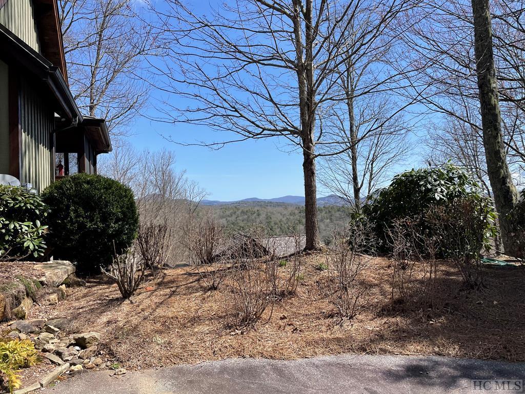 828 Highlands Cove Drive