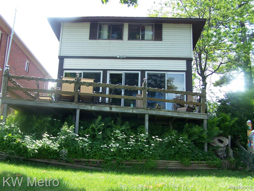 BEAUTIFULLY MAINTAINED AND WELL KEPT INSIDE AND OUT. WONDERFUL VACATION HOME OR YEAR ROUND HOME. ENJOY MAGNIFICENT LAKE HURON RIGHT OUT YOUR FRONT DOOR. BEAUTIFUL SANDY BEACH, SEAWALL AND DECK OVERLOOOKING THE LAKE. HOME FEATURES OPEN ROOM CONCEPT WITH PLENTY OF WINDOWS TO ENJOY THE LAKE VIEWS. APPROXIMATELY 1700 SQ.FT. EXACT DATE OF CONSTRUCTION NOT KNOWN. NATURAL FIREPLACE IN GREAT ROOM. ALL APPLIANCES REMAIN AND COMES COMPLETELY FURNISHED WITH SALE. MOVE IN CONDITION.