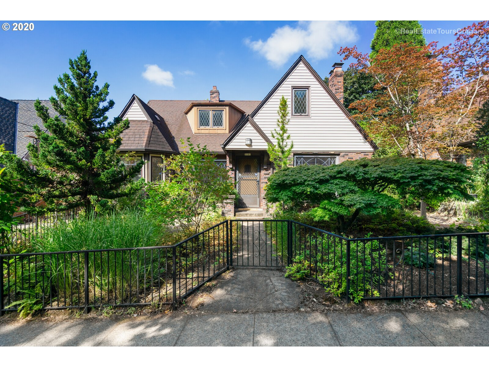 Charming Tudor home in sought after Beaumont neighborhood w/Alameda schools. 1st time on the market in over 50 yrs! Home features many original period pieces from the doors,built-ins, lights,to the beautiful leaded glass windows & wood trim & flrs this home exudes charm & is just waiting for someone's personal touch.Mostly main level living w/eat-in kitchen,dining,living,2 bd & 1 bth on main,large 3rd bd w/bonus rm upstairs&spacious family rm&storage on LL.Close to parks,shops,restaurants&more! [Home Energy Score = 1. HES Report at https://rpt.greenbuildingregistry.com/hes/OR10185956]
