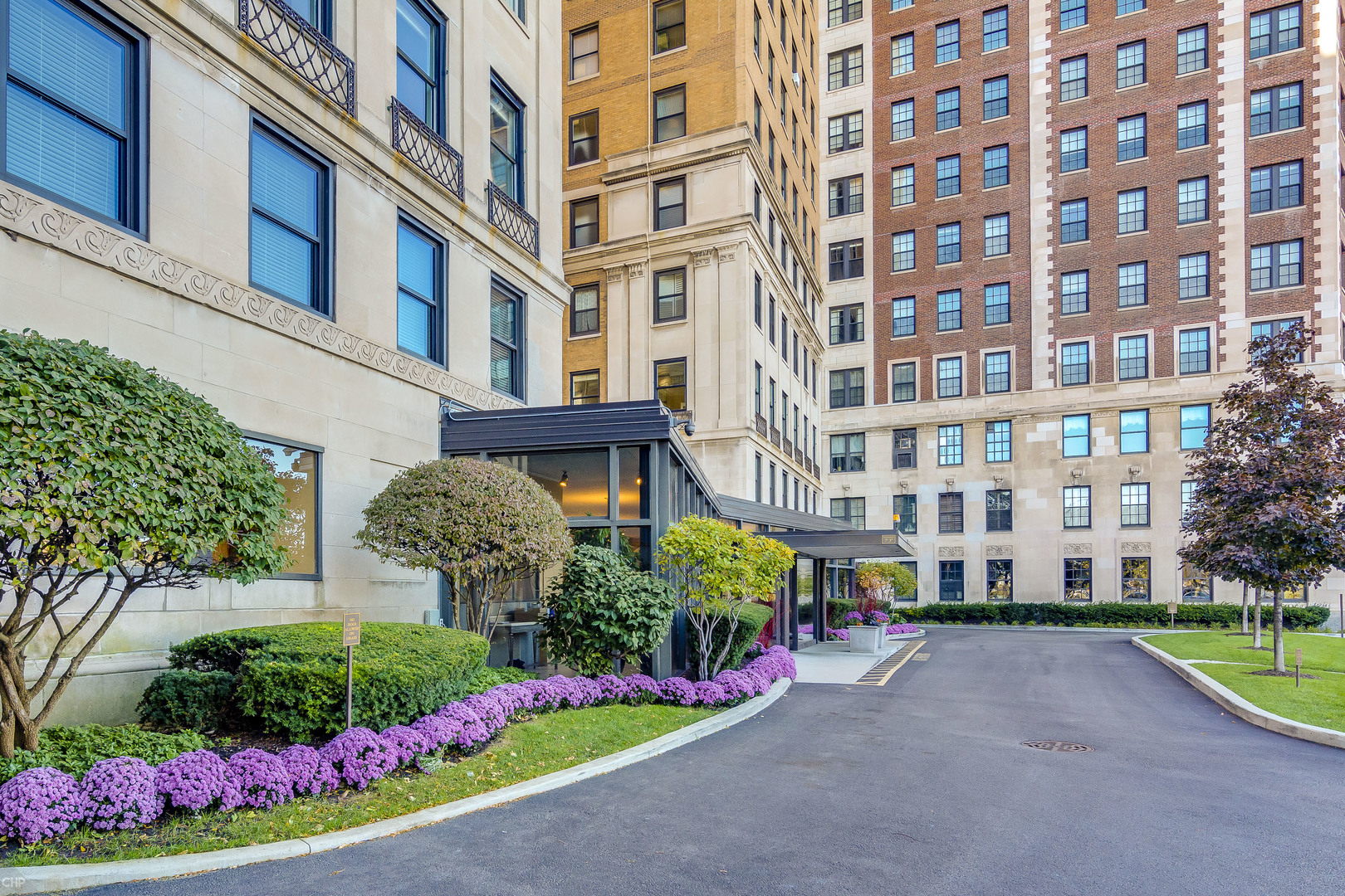 Lakeview Chicago Luxury 2 Bedroom Apartments For Rent