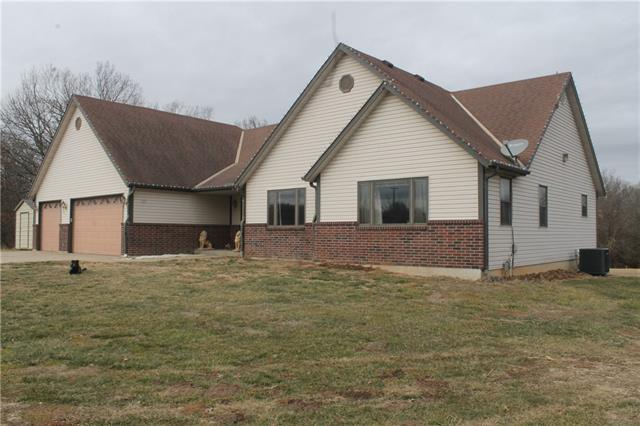 10136 SW State Route U Highway, Rich Hill, MO 64779