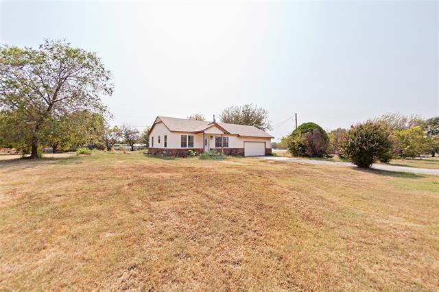 15920 E Newton Place, Catoosa, OK 74116