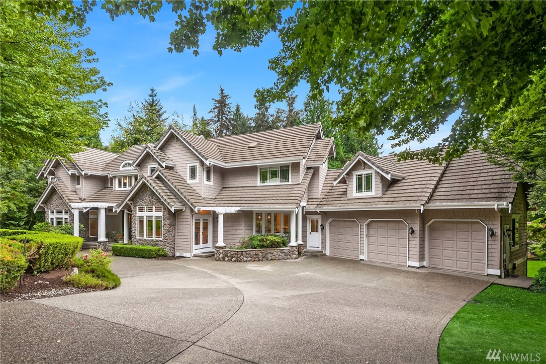 Stunning, custom-built home in the coveted community of Gunshy Ridge. This 6,970 sq ft home sits on a corner lot just shy of 1 acre. Vaulted ceilings, chef's kitchen, formal dining, & great room w/ high attention to detail. Master suite w/ 5-piece bath & large custom walk-in closets. Massive fully finished basement w/ wine cellar, workout room, gaming space, media room, & bonus room. Two large entertainer's decks and covered patio. 3-car garage with storage space. Award-winning Lake WA schools!