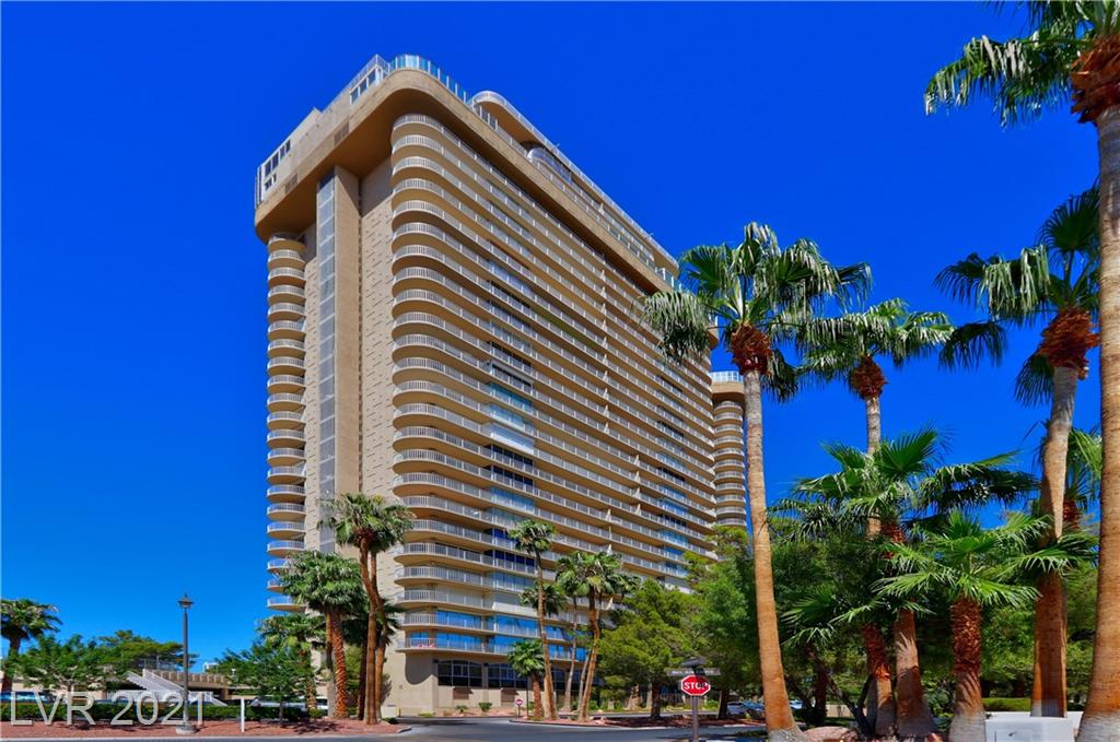 FABULOUS OPPORTUNITY TO OWN STUDIO IN REGENCY TOWERS FOR $155,000. CLOSE TO STRIP AND CONVENTION CENTER. DOUBLE SECURITY. END UNIT PICTURESQUE WINDOWS LOOK OUT ON THE PALM TREES. COMMUNITY POOL,SPA,TENNIS COURT , FURNISHER IS INCLUDED.