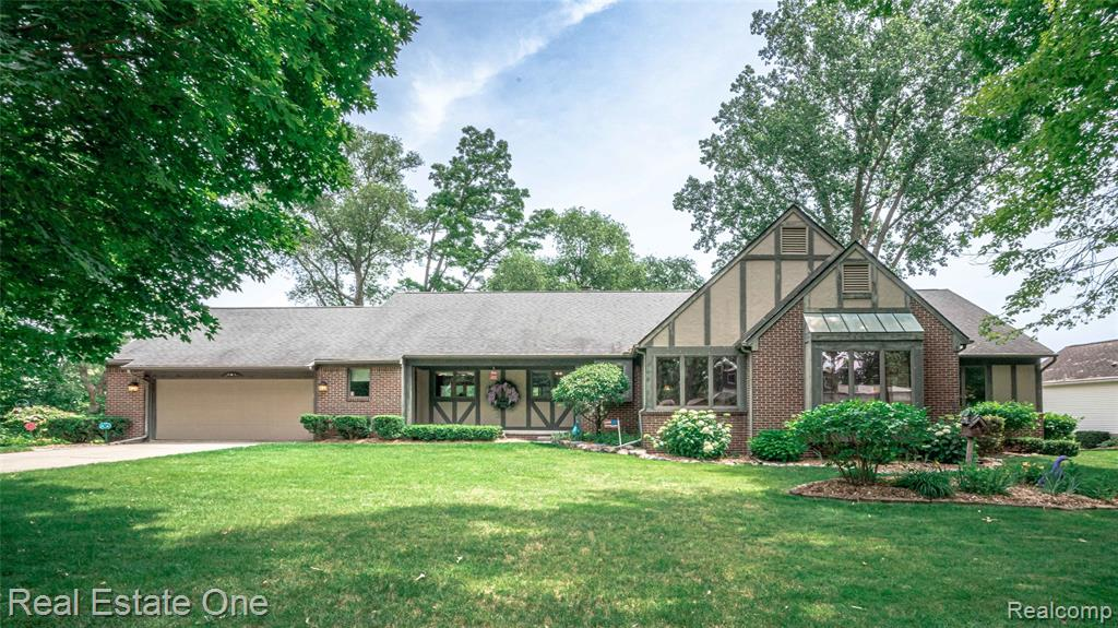 """Custom-built ranch w/ 5000+ finished sq ft of living space on 1/2+ acre w/ 135 ft of frontage on private Cross lake*non-power boat lake is deep, clean, & offers a quiet setting to enjoy great swimming, fishing & kayaking*Located on a dead-end st. w/ a plethora of mature trees providing an up north feeling w/o the drive*This home is an entertainers dream w/ a lg deck, screened gazebo, gourmet island kitchen w/ custom cherry cabinetry, granite, ss appliances & hickory hardwood flooring on main living area*The living room & hearth room offers a two-sided Stone fp & floor to ceiling windows w/ incredible views of lake*Master ste offers a huge bd w/ a sitting room, an amazing 15x15 walk-in closet & extra vanity*2 add'l bd's on main floor share an updated handicap accessible bath w/a Toto washlet & full-body spray tiled shower*Finished walk-out w/ 2 addt'l bds, fam rm, bar, full bath & storage galore w/ a """"lake toy"""" garage*Many recent updates*School of choice*Rare find*Be ready to be amazed!"""
