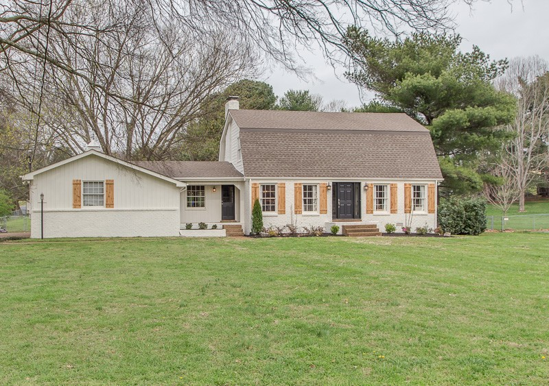 Great house with kitchen and all three bathrooms recently updated. Floors wide plank white oak, new water heater in 2020, new gutters 2020, Close to Berry Farms and downtown Franklin but no city taxes. Level one acre lot with creek. Fenced Back yard. Not a drive-through street. Neighborhood pool is optional for $420 a year. Gas cooktop, double oven, 10' island, warming drawer. Dimmers throughout downstairs. Gas fireplace.  Pictures are from before homeowners moved out.