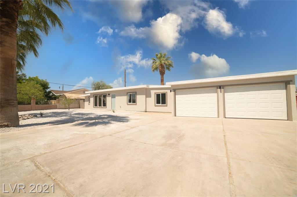 NEWLY REMODELED HORSE  PROPERTY !!! CENTRALLY LOCATED.  BEAUTIFUL 1 STORY HOME, FEATURES 4 BED AND 2 BATH. BIG LOT            NO ASOCIATION,  HUGE 4 CAR GARAGE  - (ALL  CONSTRUCTION, PLUMBING AND ELECTRICAL NEW WITH PERMITS) LOT IS R-2 (check with city to build another unit )