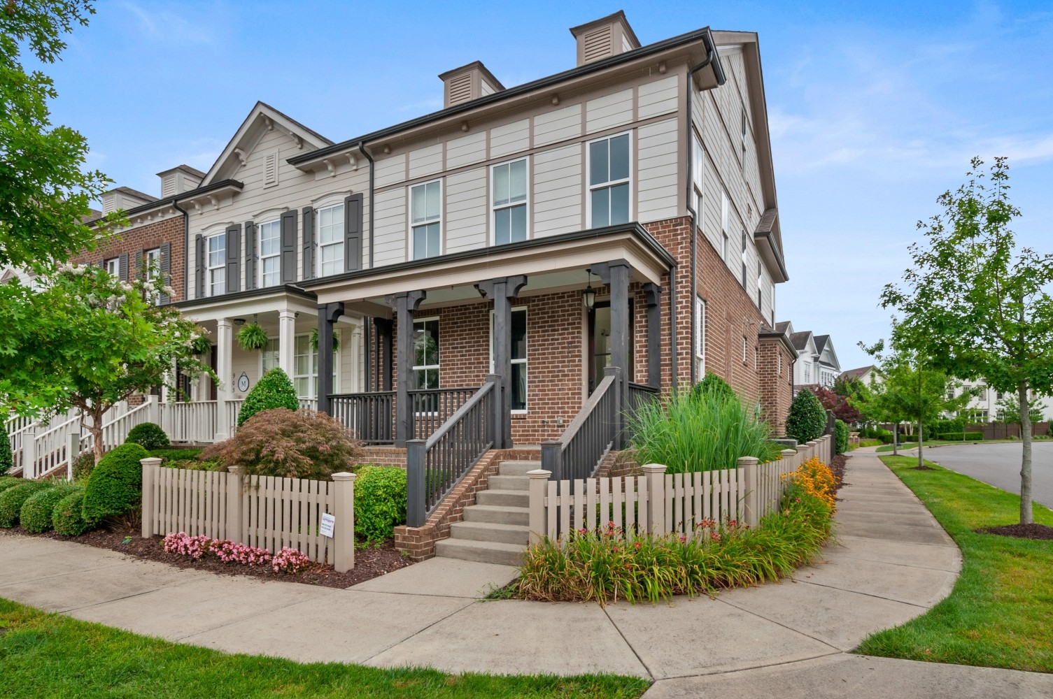 3BR, 3.5BA town home in POPULAR Westhaven development!  END UNIT. Primary BR on the main level (BA has heated tile floor) with 2 BRs up, nice size closets, high ceilings, hardwood floors, granite counter tops.  Nice size private courtyard with patio, one car garage & of course a covered front porch!