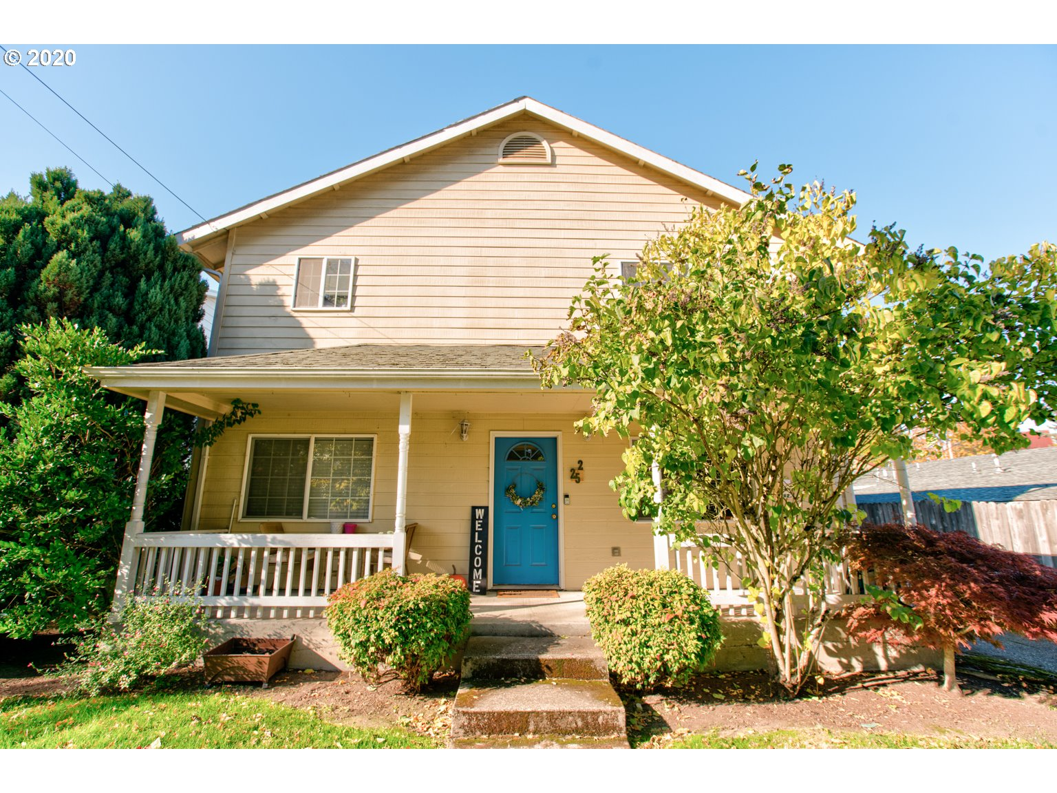 This charming duplex, located in the quaint town of Monmouth, Oregon, has a pair of updated two-bedroom, two-bath apartments. Built in 1937, the farmhouse was converted to a duplex in 1992 and has had a stable rental history ever since. Each unit features a large kitchen and living room, in-unit washer and dryer, and off-street parking. Residents enjoy the classic front porch as well as its close proximity to Western Oregon University, Main Street Park, and Monmouth's historic downtown.