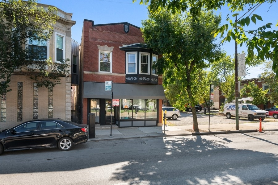 3653 W IRVING PARK Road, Chicago, IL 60618