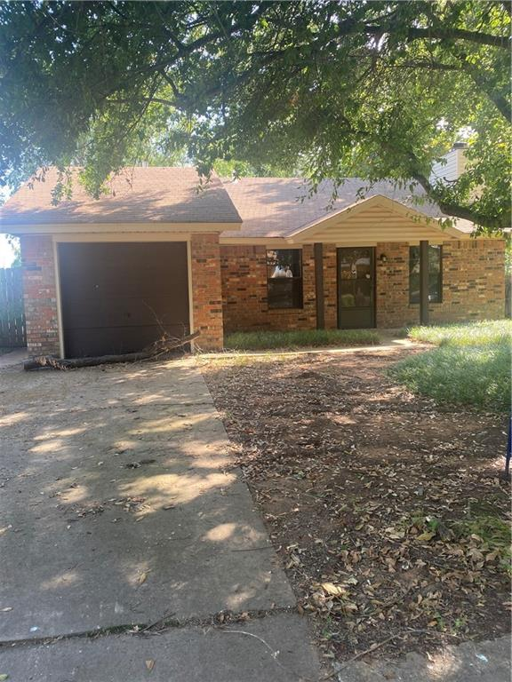 Great 2 bedroom fixer upper conveniently located off of Cedar Lane and 12th Ave. Open floor plan with soaring ceilings and a gas fireplace. Nice treed lot. Come make it your own!