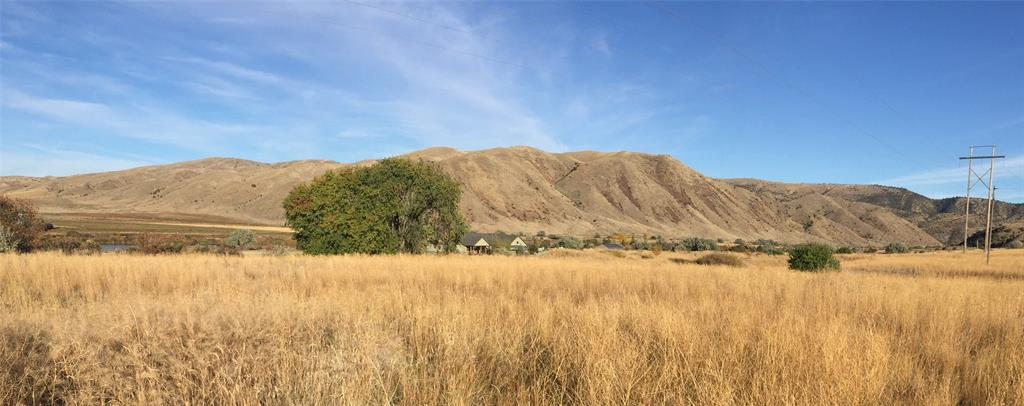 2.7 acre lot with Missouri River Views and private access to the river, a 3 hole golf course, boat launch and picnic area.