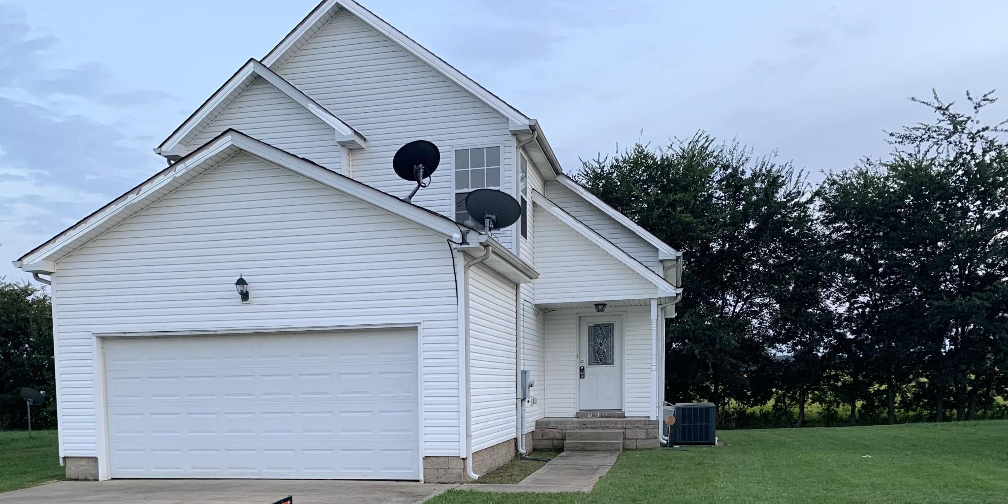 608 S Cavalcade Cir, Oak Grove, KY 42262