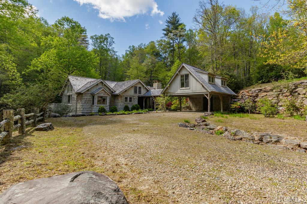 426 Wild River Road, Cashiers, NC 28717