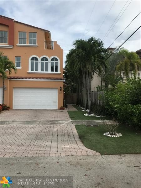 Gorgeous 3-story corner unit town-home with lots of windows located in Coral Ridge and in the Bayview elementary school district. Spacious back yard with private pool and small garden area. The home features a whole house water filtration system and a home stereo system with speakers throughout the house. No HOA fee or pet restrictions! Open kitchen with impact windows and doors on the 2nd and 3rd floor and electric shutters on 1st level. 3rd level has a big roof top deck with room on the side for storage. The safe in the garage is not part of the sale and will be moved soon