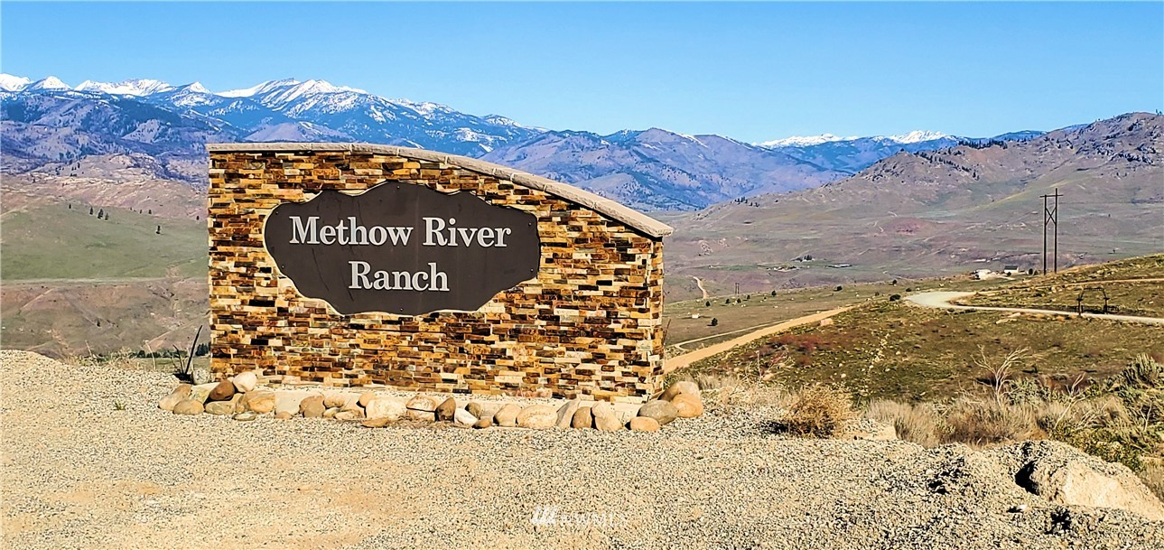20+ acres with well, building pad and located within Methow River Ranch Phase 2. Huge territorial views of the Cascades and surrounding Methow area. Easy access from Pateros, Lot 38 is close to public lands, great for all kinds of recreation. Hundreds of miles of forest service roads for biking - snowmobiling - close to world class fly fishing and winter sports in the Methow Valley.  20 minutes from Twisp and 45 minutes to Winthrop.  Bring your cabin/house designs or build your forever home on this beautiful Lot!  Call today for your private tour.