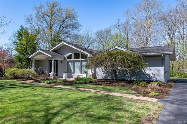 157 Seabrook Drive, Chesterfield, MO 63017