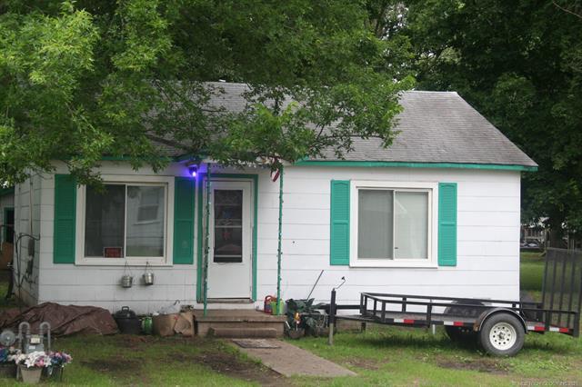306 S Cherokee Street, Locust Grove, OK 74352
