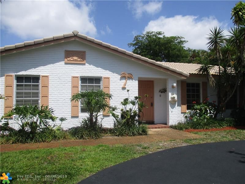 BACK ON THE MARKET-PRICE REDUCED- Seller looking for a quick deal- 5 /2 President model-3 way split-corner house-one story with solar heated pool-huge screened patio with a covered flat roof-(barbeques year round) - freshly painted interior & exterior- new neutral beige  carpets- neutral tile in the foyer, kitchen and family room-white kitchen- stainless steel appliances-white bathrooms-2 car garage with extra refrigerator and loads of storage- side driveway on the 16th street side of the house and a circular driveway in the front of the house facing NW 84th drive-roof redone and a/c replaced- lots of landscaping-w pineapples -privacy- great schools- shopping- mall nearby-Good investment -No HOA-Can be rented right away-owner agent- show to a buyer looking for a good deal- NO FHA MORTGAGE