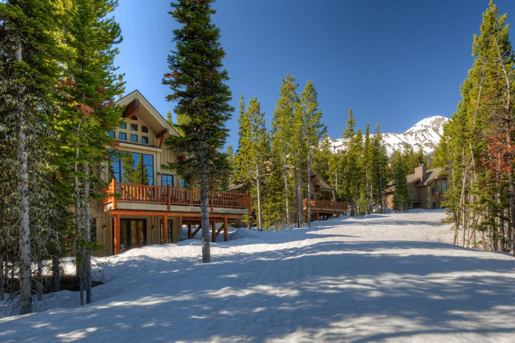 This 3 bedroom + loft, 4 bathroom Moonlight Mountain Home is positioned directly on the ski trail in Cowboy Heaven. The beautifully appointed custom interior includes hardwood flooring, alder cabinetry, granite countertops and slate baths. The private property also allows for fabulous views of the Spanish Peaks Mountain Range.
