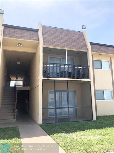 Lovely 2 bedroom 2 bathroom, Spacious, updated floors, kitchen, knockdown textured walls, cabinets, sinks, toilets, laundry room in Condo.