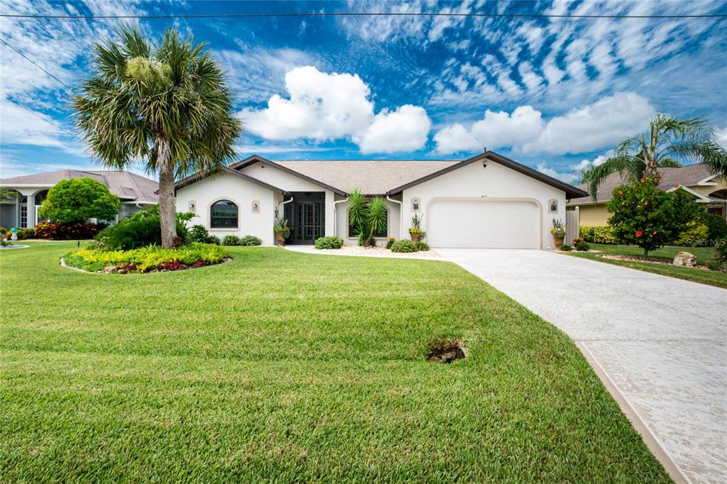 11 Clubhouse Road, Rotonda West, FL 33947