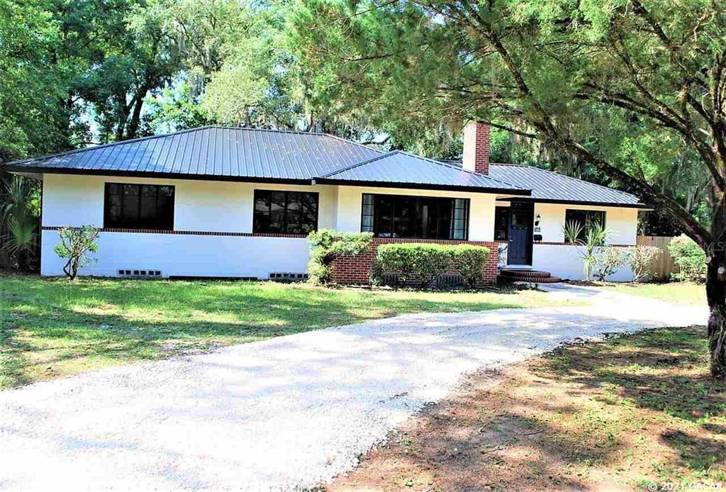 2227 NW 5Th Place, Gainesville, FL 32603
