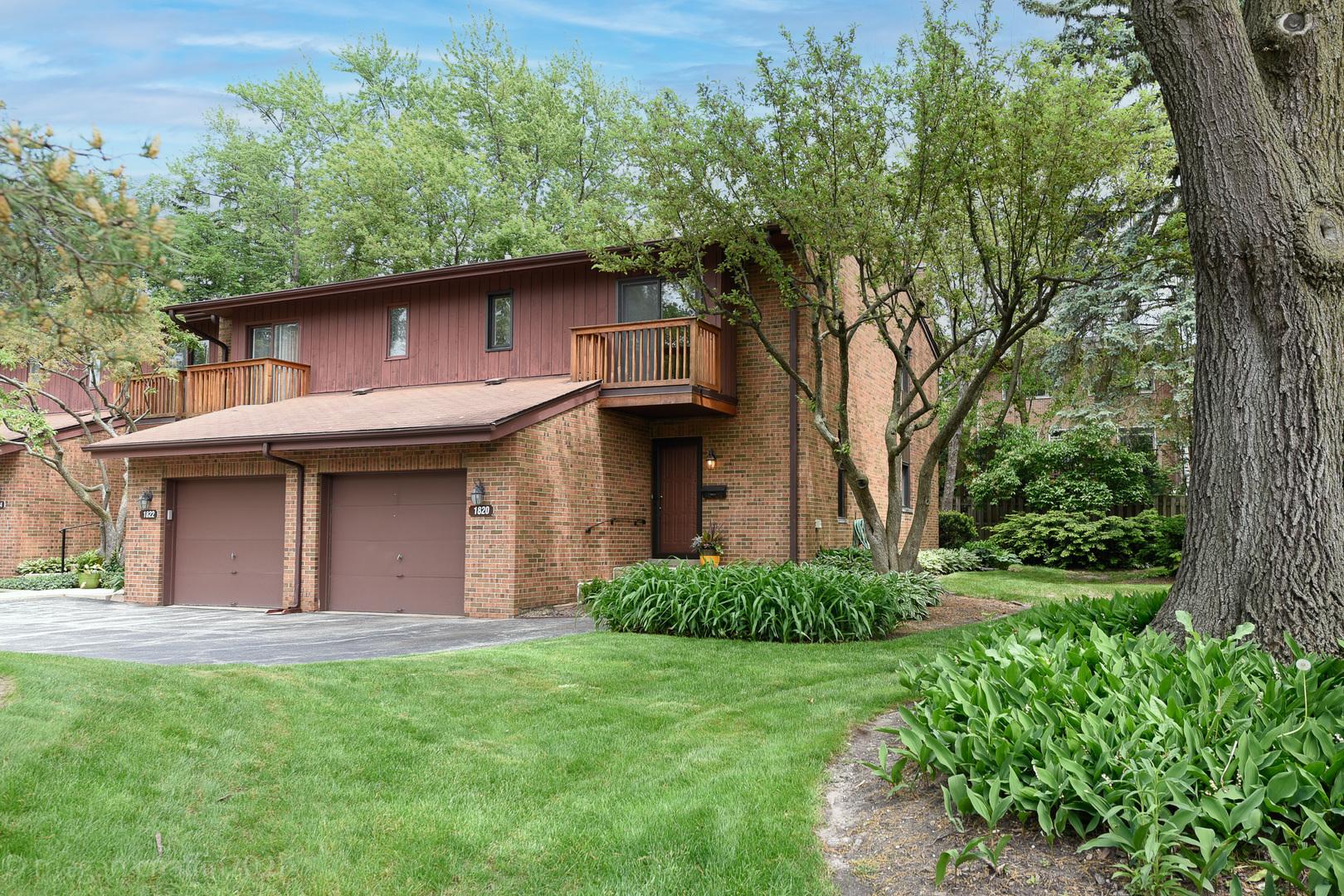 1820 Chestnut Avenue, Glenview, IL 60025