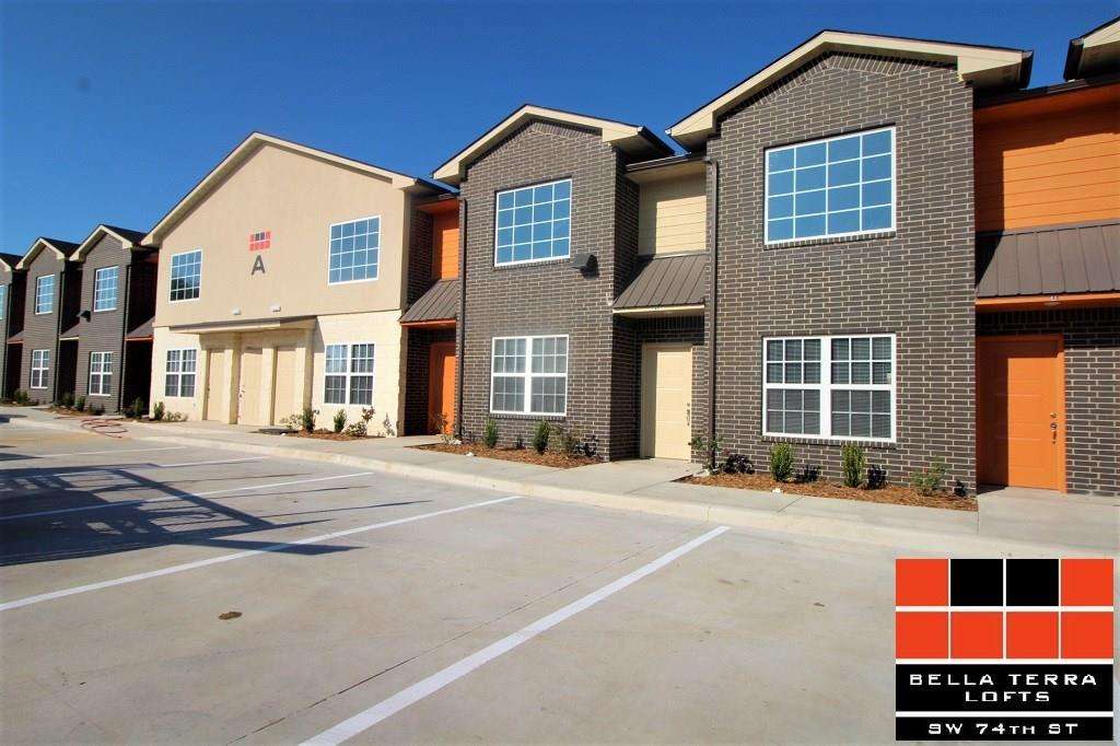Newly built lofts!: High ceilings, new appliances & giant windows! 2 bedrooms 2 bathrooms Lofts in SW OKC, Close to OCCC & tons of restaurants & even a shopping center. 15 Min drive from downtown OKC! This loft has a washer & dryer & all kitchen necessary appliances! It is pet-friendly! Call today.