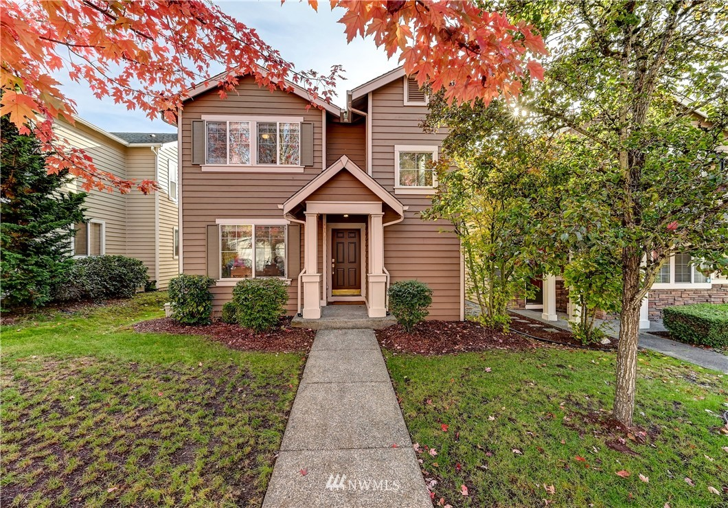Light & bright, NORTH facing home with amazing updates sited on a quiet tree lined street mere blocks from coveted Rosa Parks & Timberline schools. Solid hrdwd floors and rich crown molding throughout the main level plus updated powder room. Beautifully remodeled kitchen w/custom cabinets and quartz counters. Owners suite w/new spa-like bath & walk-in closet. 2 additional large bedrooms and fully updated main bath complete the upper level. 2 car garage. Close to parks, shopping & MS connector.