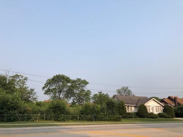 608 Sanders Road, Northbrook, IL 60062