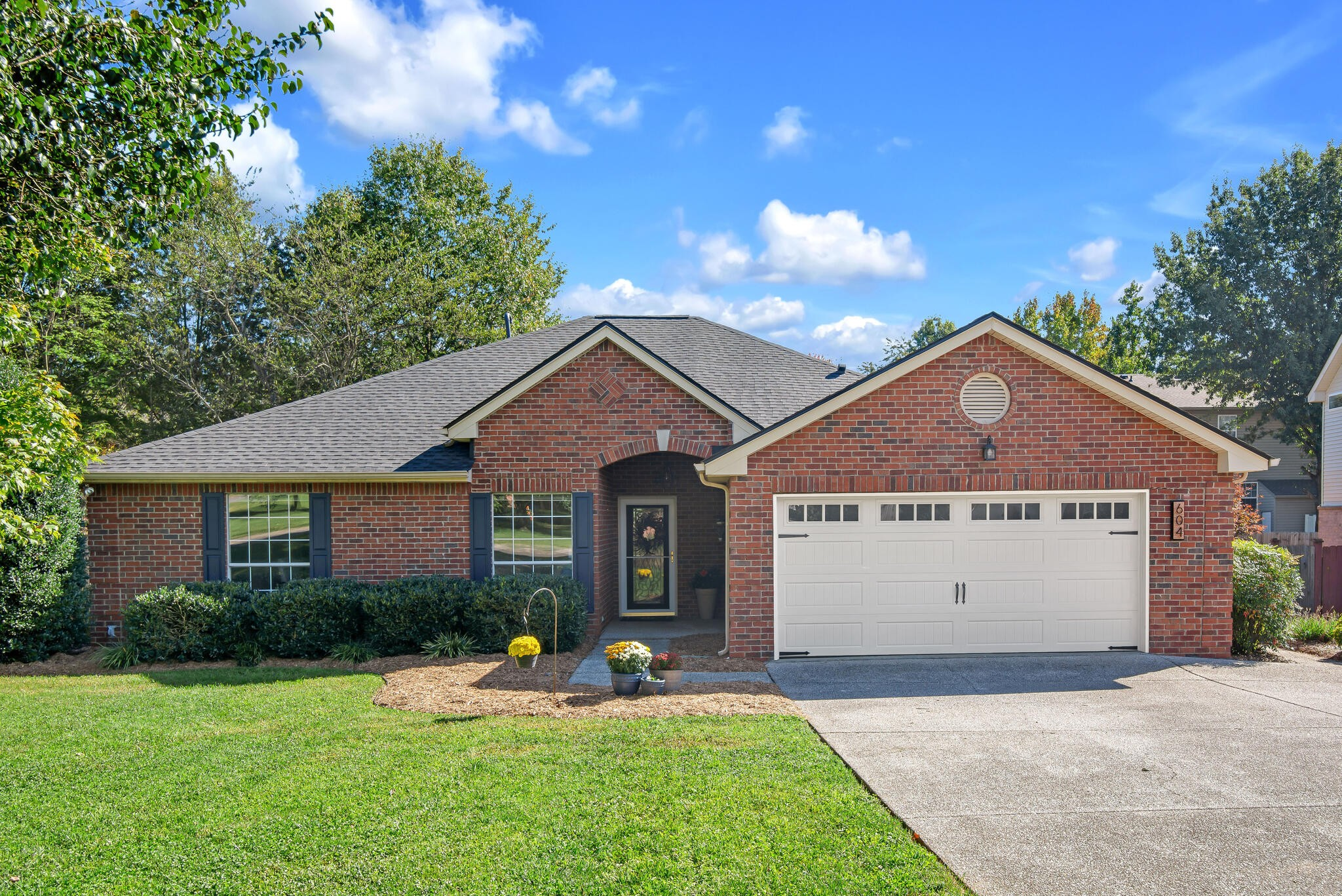 """This home has it all! Williamson County schools, one level living, a secluded fenced-in backyard complete with a new deck, a true owner's suite and location on a cul-de-sac! Roof and water heater were replaced earlier this year. Guest bath completely updated. You will love calling this """"home."""""""