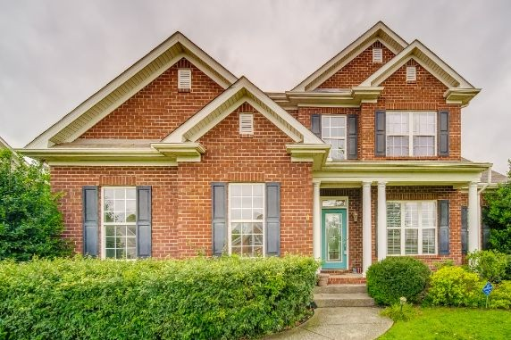All Brick over 3,100 sq ft w/Oversize bedrooms, masterdown, walk-in closets, finished storage, walk-in pantry, granite counters, hardwood floors very open floor plan and large closets abound, whirlpool tub, Community pool.