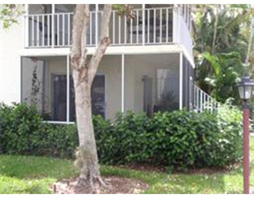 200 Palm Dr 7, Naples, FL 34112