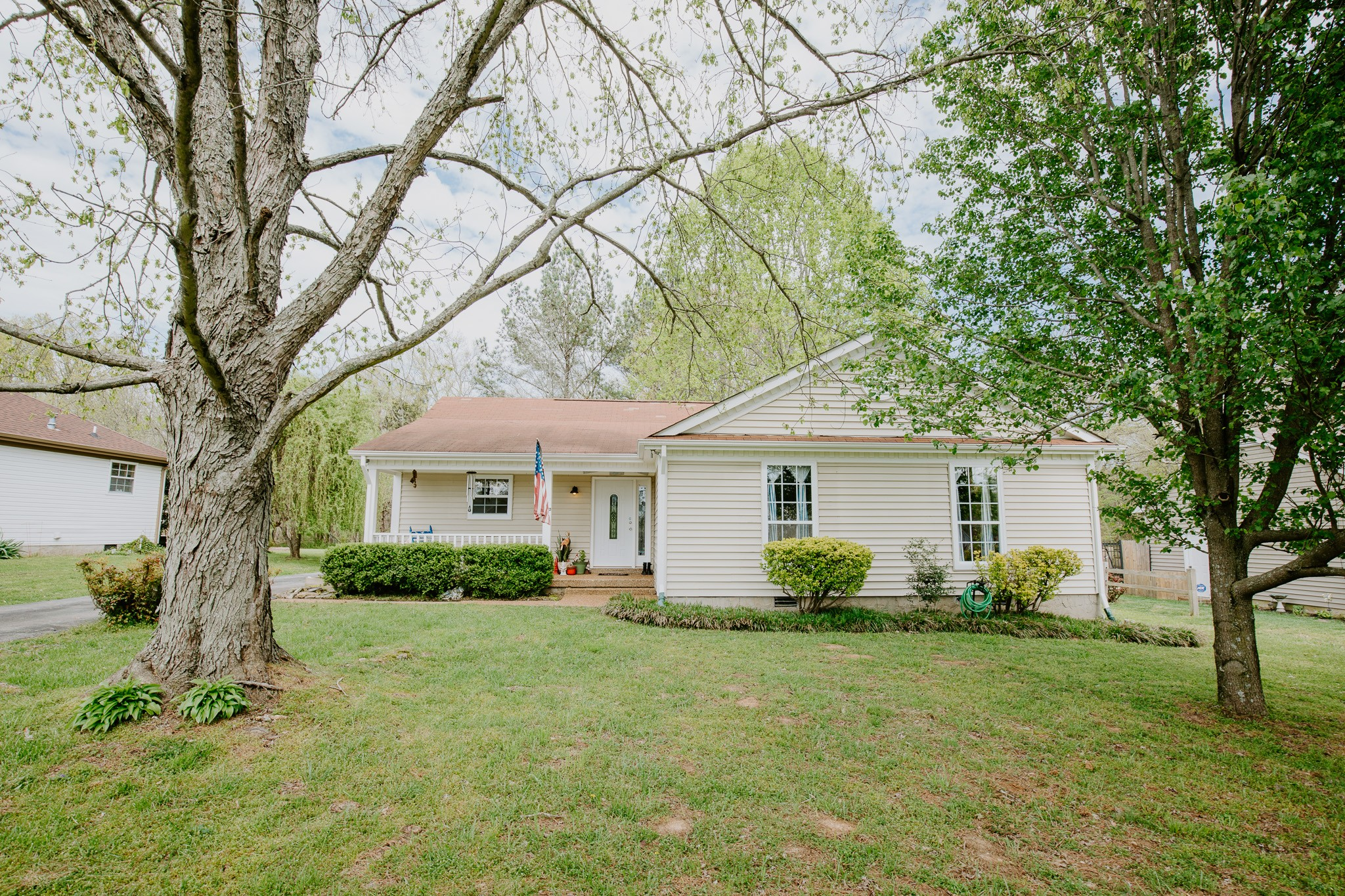 Very nice one story living with 3 bedrooms and 2 full baths, vaulted ceiling in living room with wood burning fireplace, separate dining area, galley kitchen, refrigerator/washer/dryer to remain, very private back yard backing to woods, tons of parking in driveway. Home/sidewalks/dec professionally pressure washed.