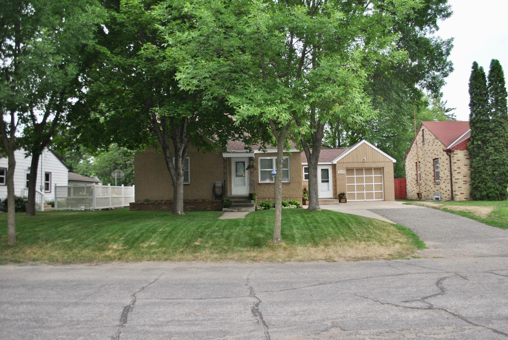 Buyers and Buyers agent to verify all measurements and information. Please enter door by garage. 5th bedroom could be added in basement with installing a closet.