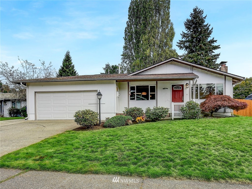 Fantastic rambler in Redmond's desirable Education Hill! The spacious and flexible floorplan has been updated throughout including a new kitchen w/ custom cabinets, quartz counters, stainless appliances & large bkfst bar. Easily add window in den for 4th bedrm. Huge bonus room features vaulted ceilings, slider to covered patio, & cozy wood stove. Newer furnace/AC. Sunny, fully fenced yard. 2 car gar w/ ample storage. Minutes to award winning Lake WA Schools, Parks, Microsoft, Redmond Town Center