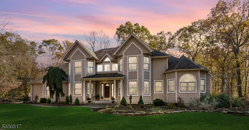 """IMPRESSIVE CUSTOM BUILT HOME W/OVER 3600 SQ FT CUSTOM HOME W/ OPEN FLR PLAN , VAULTED-CEILINGS LG KIT ISL, 1ST FLR MASTER STE W INCREDIBLE MSTR BA,CUSTOM SHOWER, JET TUB, 2 VANITIES, 2 WALKIN CLOSETS! MANY POSSIBILITIES! 2 HOME OFF/LEARNING SPACES! 1ST FL OFFICE W/CUST BUILT-INS OPPORTUNITY FOR 2ND MASTR BEDRM! 42 WINDWS/SKYLITES PROVIDE ABUNDANT NAT LIGHT OVERLOOKING 1ACR OF SECLUDED PROPERTY W/TRANQUIL VIEWS, LOTS OF ROOM TO PLAY! BEAUTIFUL NATURAL INT WDWORK. MULTIPLE SLIDERS TO 30X20 DECK.IMPRESSIVE FIN BASEMT W """"KITCHENETTE"""" LG MOVIE/REC AREAS PLUS 2ND OFF/LEARNING RM, HUGE STORAGE AREA. REC RM THEATER INCLUDED! GREAT 1ST FLOOR LAUNDRY/MUD-RM, OVERSIZED 3 CAR ATTACH GARAGE. PUB WATER & NAT GAS! CONCRETE INSTALLED FOR EXT HOT-TUB. DESIRABLE NEIGHBORHOOD W/ TREE LINED STREETS, NEARBY SHOPPING!"""