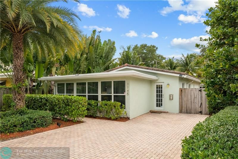 LICENSED VACATION RENTAL IN EAST FORT LAUDERDALE.  THIS TURNKEY HOME OFFERS 5 BEDROOMS, 3 BATHROOMS WITH A TOTAL OF 1,864 SQ FT UNDER AIR.  GALLEY KITCHEN WITH WOOD CABINETRY, GRANITE COUNTERTOPS AND NEWER STAINLESS STEEL APPLIANCES.  24 INCH TRAVERTINE MARBLE THROUGHOUT, NEWER HURRICANE RATED IMPACT WINDOWS AND DOORS, RECESSED LIGHTING, CROWN MOLDING.  OVERSIZED MASTER SUITE WITH OVERSIZED WALK IN CLOSET WITH SEPARATE MINI SPLIT A/C TO KEEP EXTRA COOL AT NIGHT.   LARGE CORNER LOT WITH PRIVATE TROPICAL BACKYARD WITH HEATED SALT WATER POOL AND OUTDOOR SHOWER.  NEW WASHER AND DRYER.  S-TILE ROOF (2006)  FURNITURE ALSO AVAILABLE ON SEPARATE BILL OF SALE.