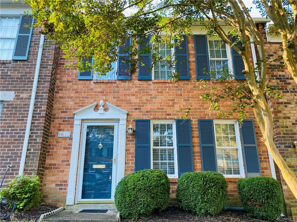 Welcome Home to this well maintained 3 bedroom 1.5 bath townhome!  This home is move in ready and located on a quiet street in the Heritage Hill Raintree Subdivision. near I-64 and 288, restaurants, shopping, and Short Pump Area!
