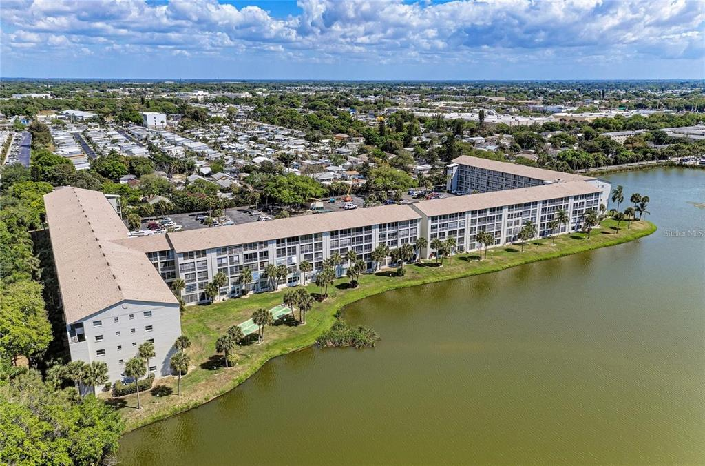 3180 Lake Bayshore Drive 321, Bradenton, FL 34205