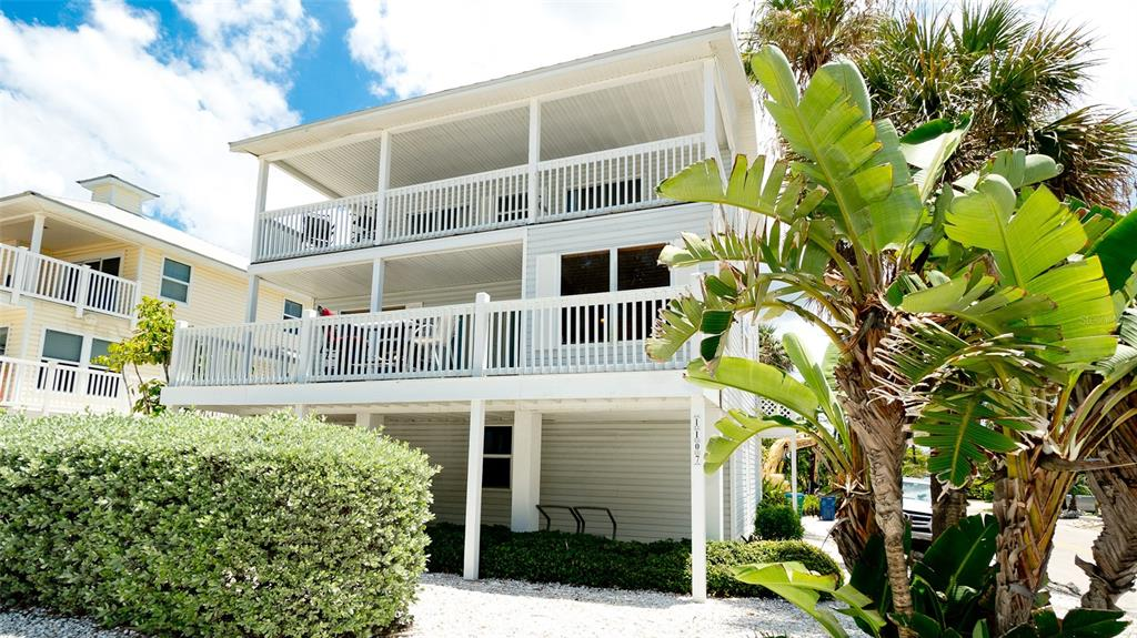 1107 Gulf Drive S, Bradenton Beach, FL 34217