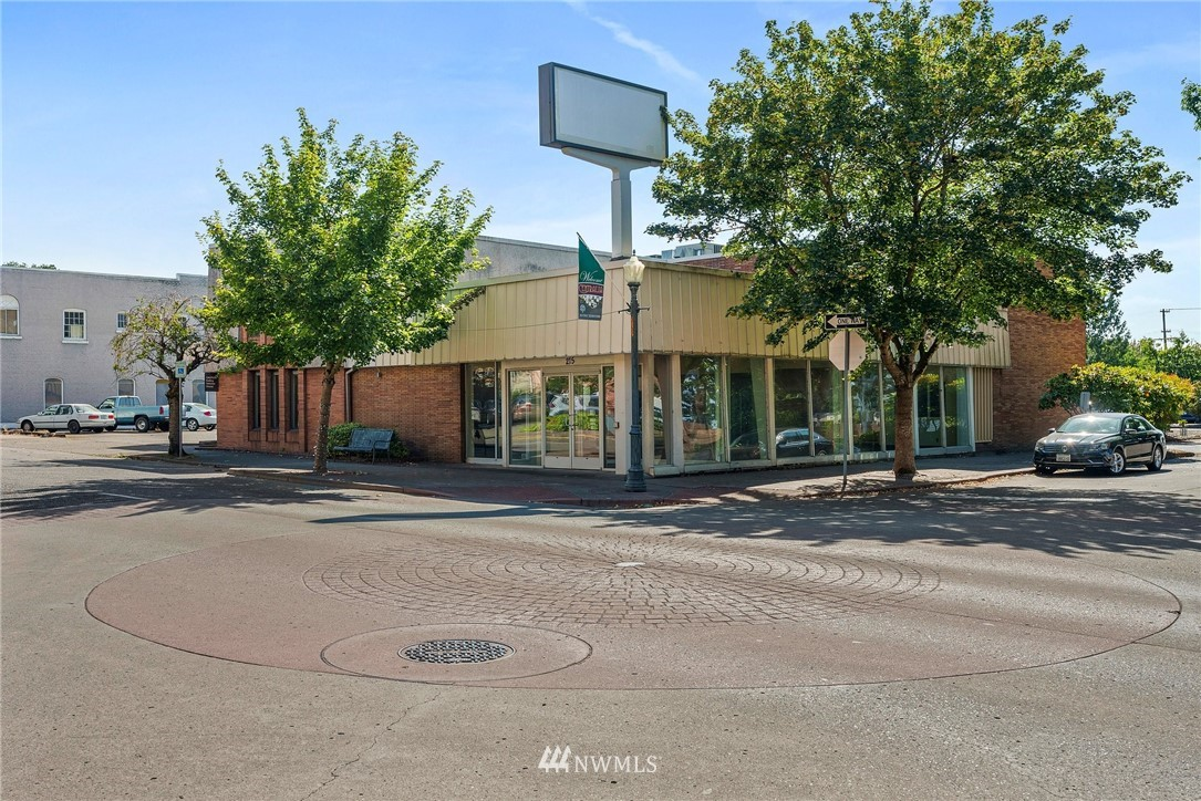 High traffic location in the Heart of Downtown Centralia. Well kept Mid Century bank building on just a shy acre of Commercial land. 7635 sq.ft of office space and large paved parking lot with ample parking. Many possibilities with this great building.