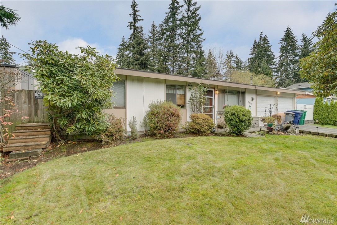 5815 141st St SW, Edmonds, WA 98026