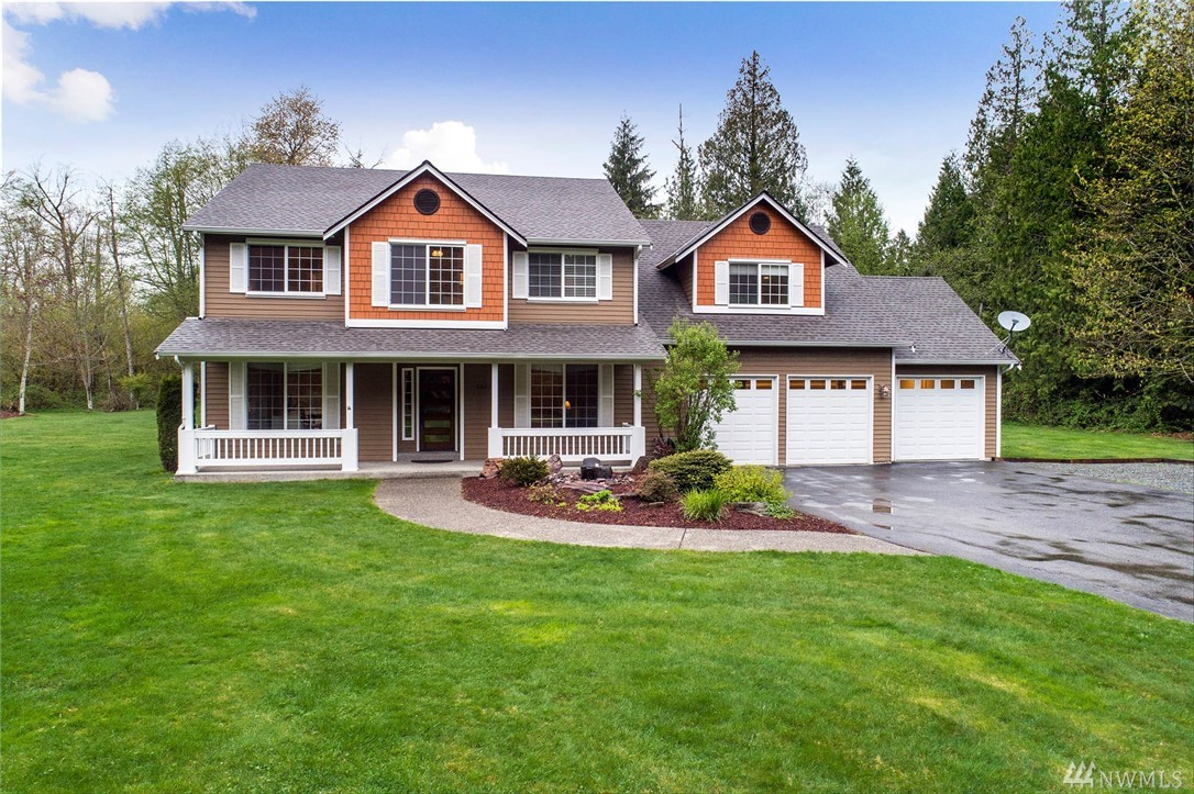 Peaceful, tranquil retreat on a sunny 5.31 usable acres minutes to D/T Redmond. The perfect home & shop combo on a quiet private road with many upgrades & refreshed features, including new roof, refinished hardwoods, updated kitchen & remodeled baths. Includes 4 spacious bedrooms, office, enormous bonus room, A/C & 3 car garage, dog run & garden space. 36'x36' shop w/220pwr & 12' RV bay & easy conversion to an equestrian property. Exceptional covered patio with stone fireplace. Lake WA Schools!