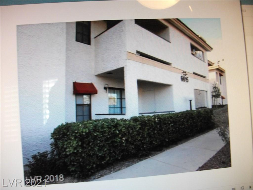 GREAT TWO BEDROOM TWO BATH CONDO. HAS BEEN RENTED TO A GOOD TENANT.  CLOSE TO SHOPPING AND FREEWAY. THIS IS A GREAT INVESTMENT OR STARTER HOME.