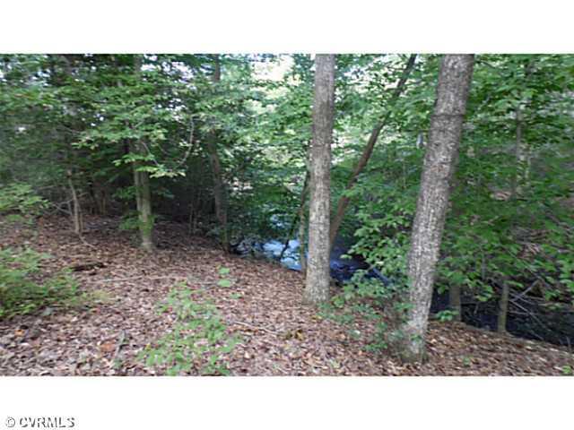 5 Pond View Street, Tappahannock, VA 22560