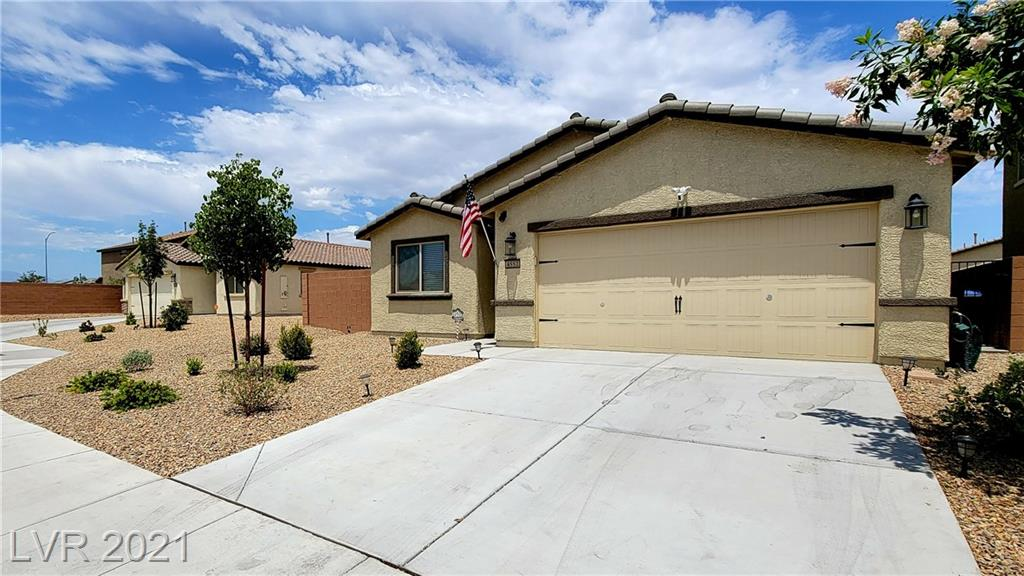 Here it is! Don't wait for a new home build get this one right now! Barely used single family home with 3 bedrooms and 2 baths. A plenty sized finished backyard with synthetic grass and covered patio. This won't last!
